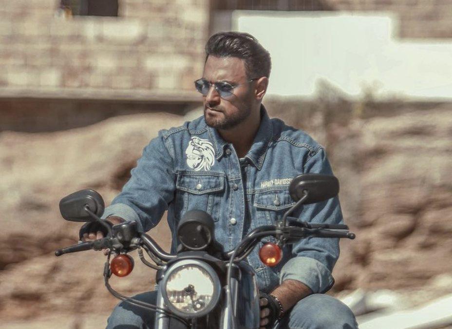 """متابعة نحنا – أصداء إيجابية تلقاها أغنية هادي أسود """"يهز الارض"""""""