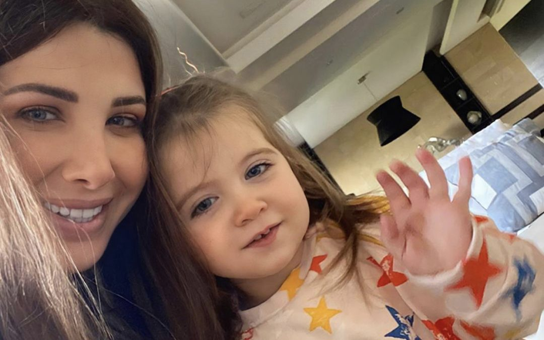 متابعة نحنا – صورة نانسي عجرم وإبنتها ليا تقترب من رقم قياسي