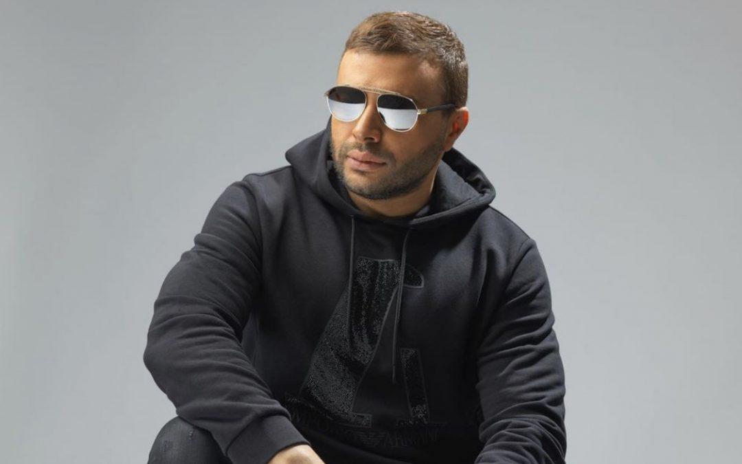 """متابعة نحنا – بعد عام على صدورها.. ماذا يقول رامي صبري عن أغنية """"حياتي مش تمام""""؟"""